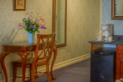 glencraig-queen-room-desk1236x617